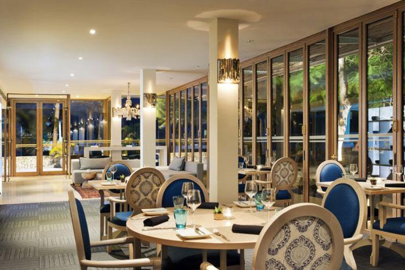 Explore1l_210MeliaZanzibar-Aqua_Restaurant_a_la_Carte