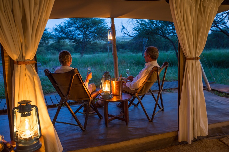 Explore_SerengetiPioneer – Tent Verandah (c) Silverless