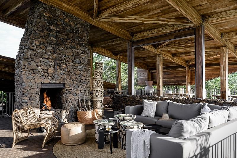 Explore_Singita Faru Faru Lodge – Fire Place
