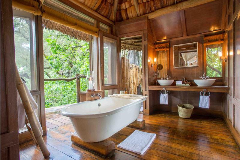 Explore_Main-room-bathroom-andBeyond-Lake-Manyara-Tree-Lodge