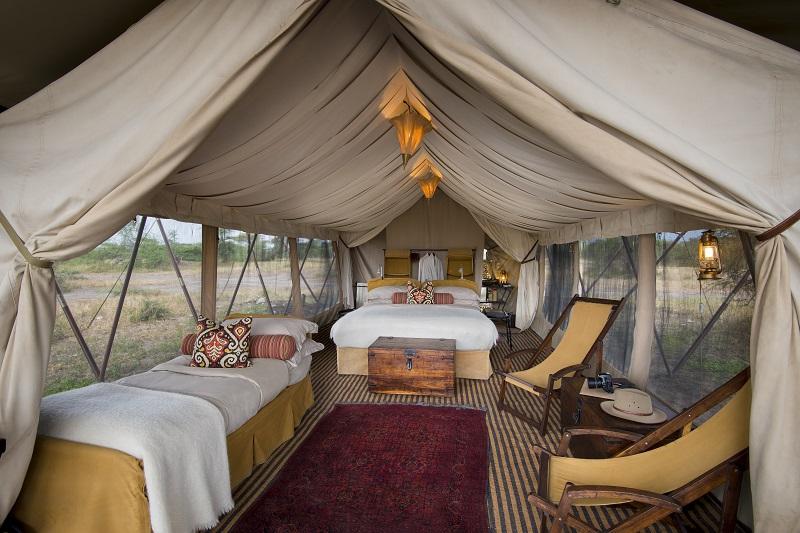 Explore_Tent-interior-triple-andBeyond-Serengeti-Under-Canvas