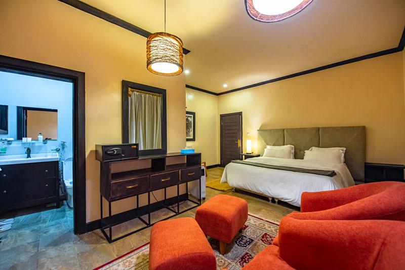 Volcanoes-Boutique-Hotel-Deluxe-Room-Explore3