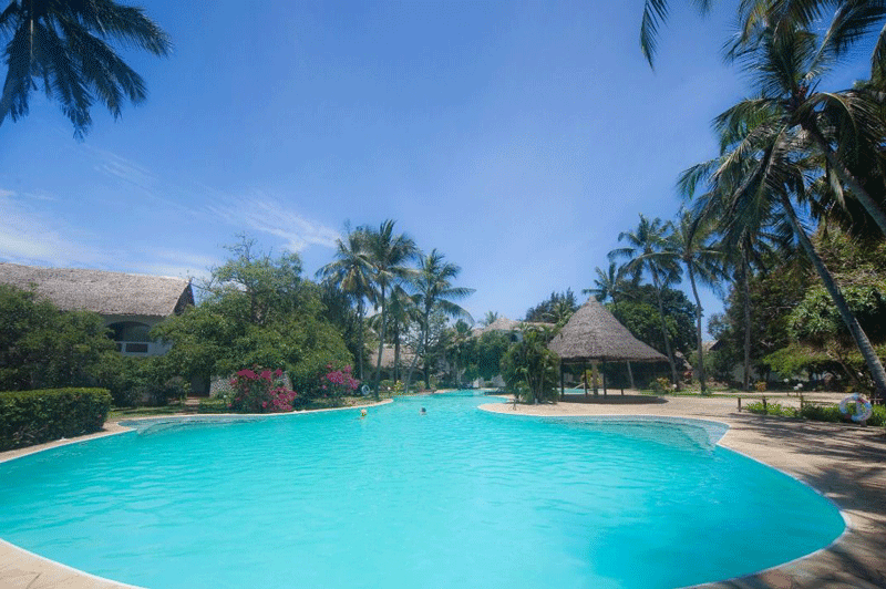 Explore_Leisire-Lodge—Pool