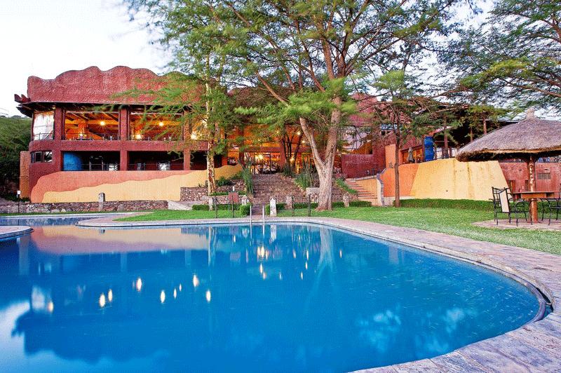Explore_SerengetiSopa_Pool