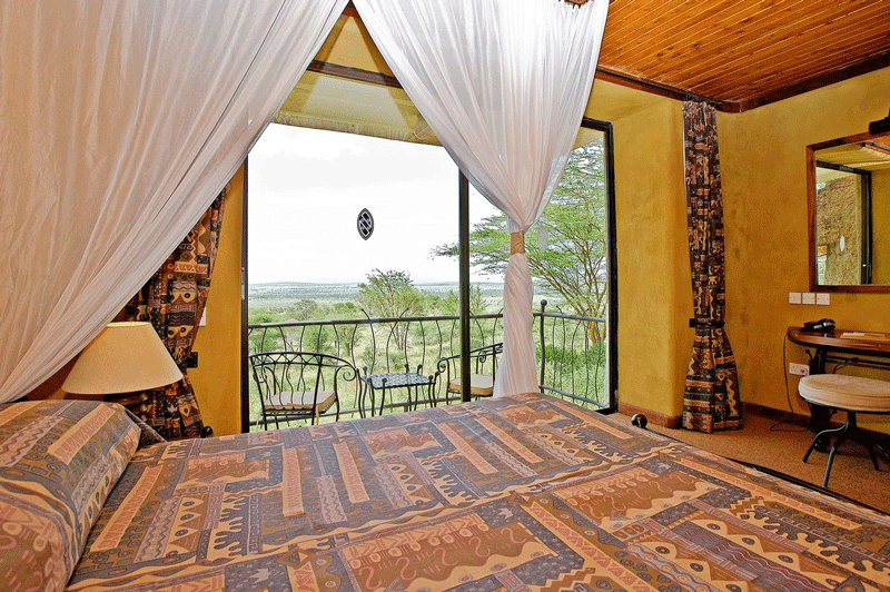 Explore_SerengetiSopa_Room