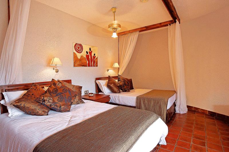 Explore_Tarangire-Sopa—bedroom