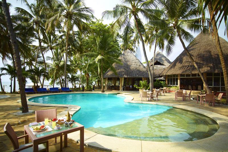 Explore_ssl-safari_pool_breakfast