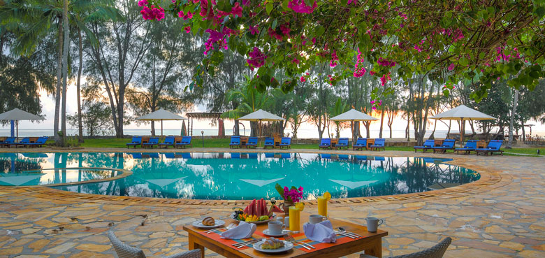 Cover-Bluebay-Resort-and-spa