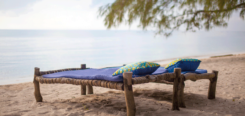 Cover-Explore-Kinondo-Beach-beds-afternoon