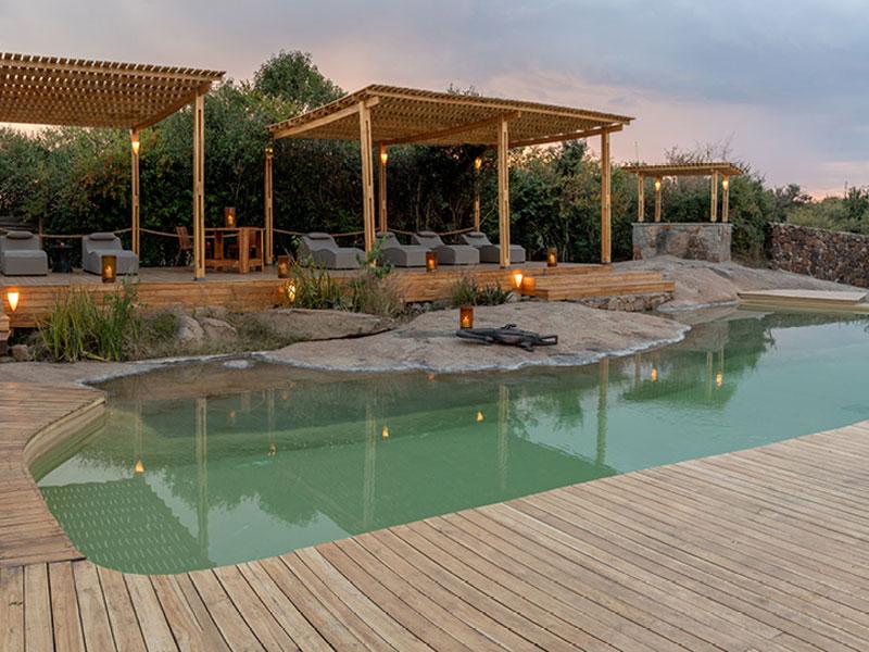 Cover-Sayari-Pool-with-lounge-area