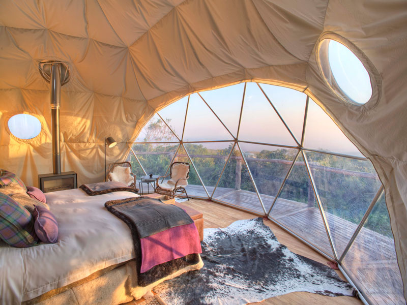 Cover-The-Highlands-bedroom-dawn-view