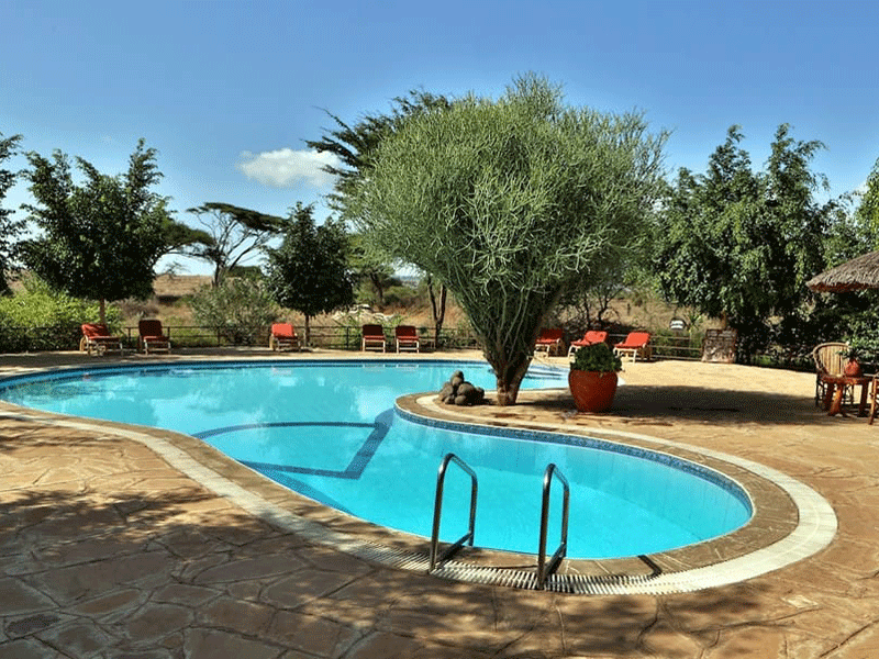Cover_Kibo-Safari-Camp—pool