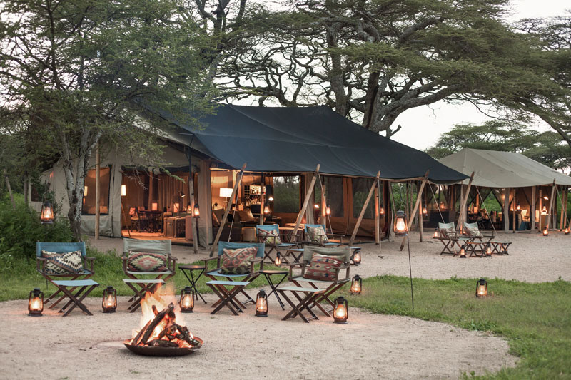 Explore-Migrational-Camps—boma-area-in-the-evening