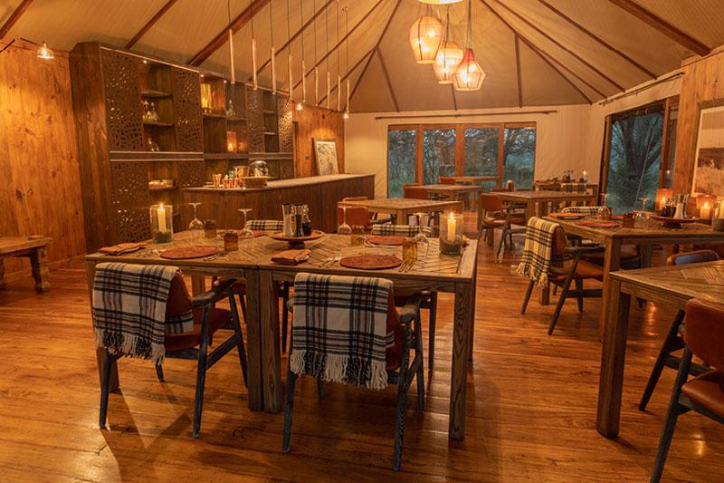 Explore-Sayari-Restaurantdining-area