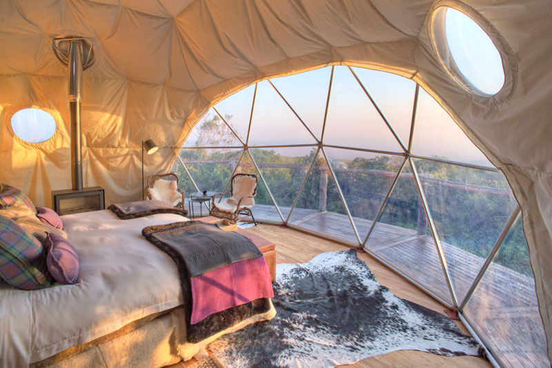 Explore-The-Highlands-bedroom-dawn-view