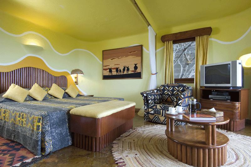 Explore_05-Suite-Bedroom-(1)