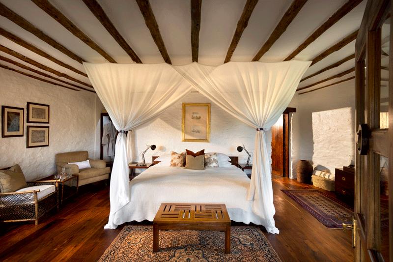 Explore_Cottage-interior-andBeyond-Kleins-Camp-_1_
