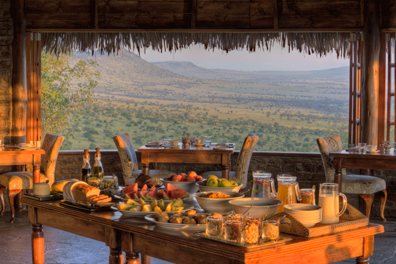 Explore_Dining-room-with-view-andBeyond-Kleins-Camp