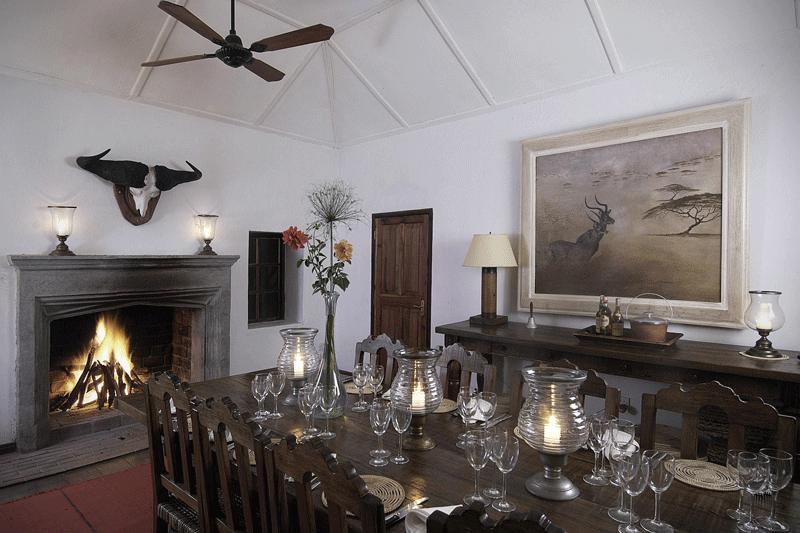 Explore_Dining-room