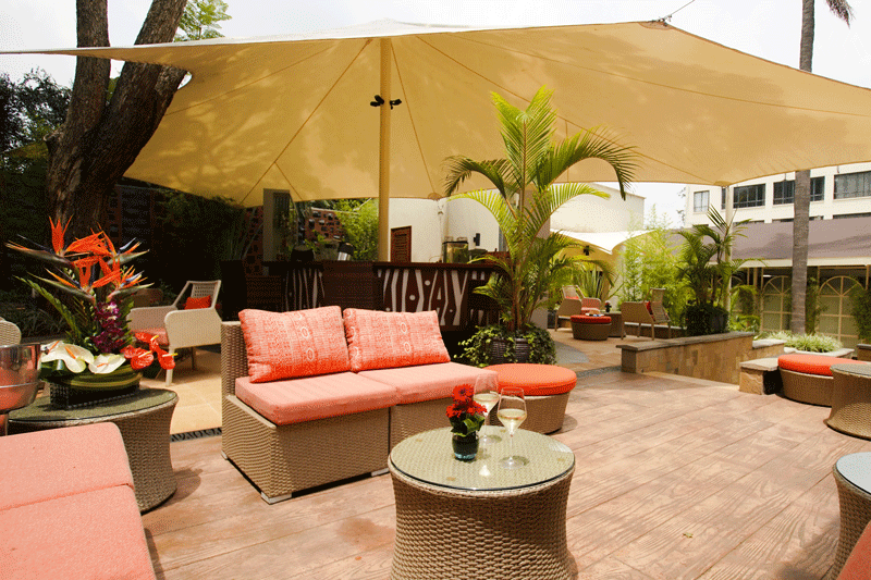 Explore_Pool-Bar-and-Lounge_2