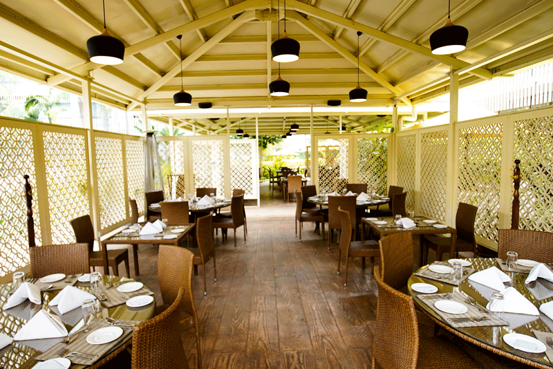 Explore_Pool-Side-Restaurant_5