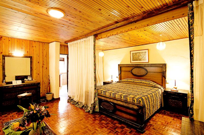 Explore_Rooms-Interior