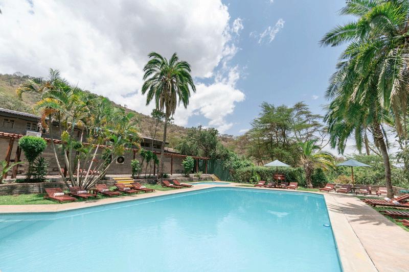 Explore_Sarova-Lion-Hill—Swimming-pool-6