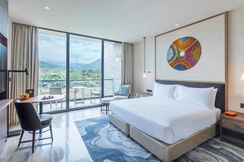 Explore_bGranMeliaArusha-Deluxe+Room+Mountain+Meru+View