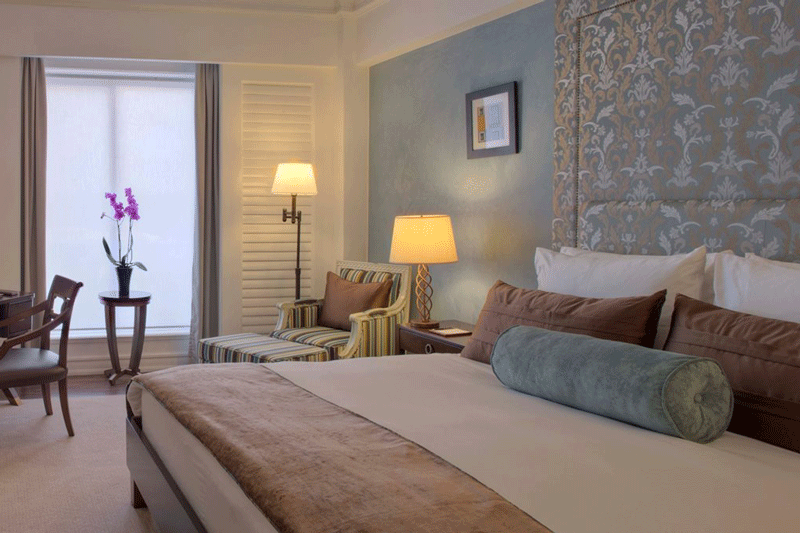 Explore_deluxe-room-villa-rosa-kempinski-large